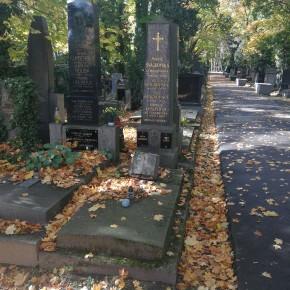 Návštěva hrobu Ladislava Klímy, Mejly Hlavsy, prof. Machovce a Egona Bondyho